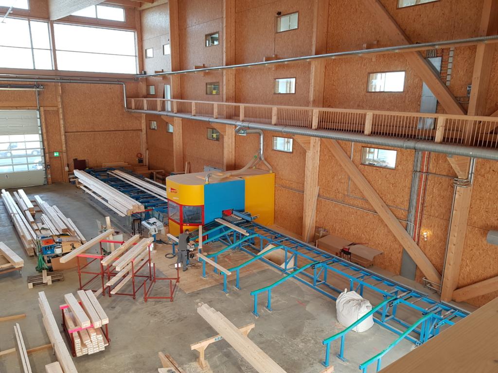 Abbund-Anlage: CNC-Fräse in der Produktionshalle «Schwarzland» | Krattiger Holzbau AG Amriswil