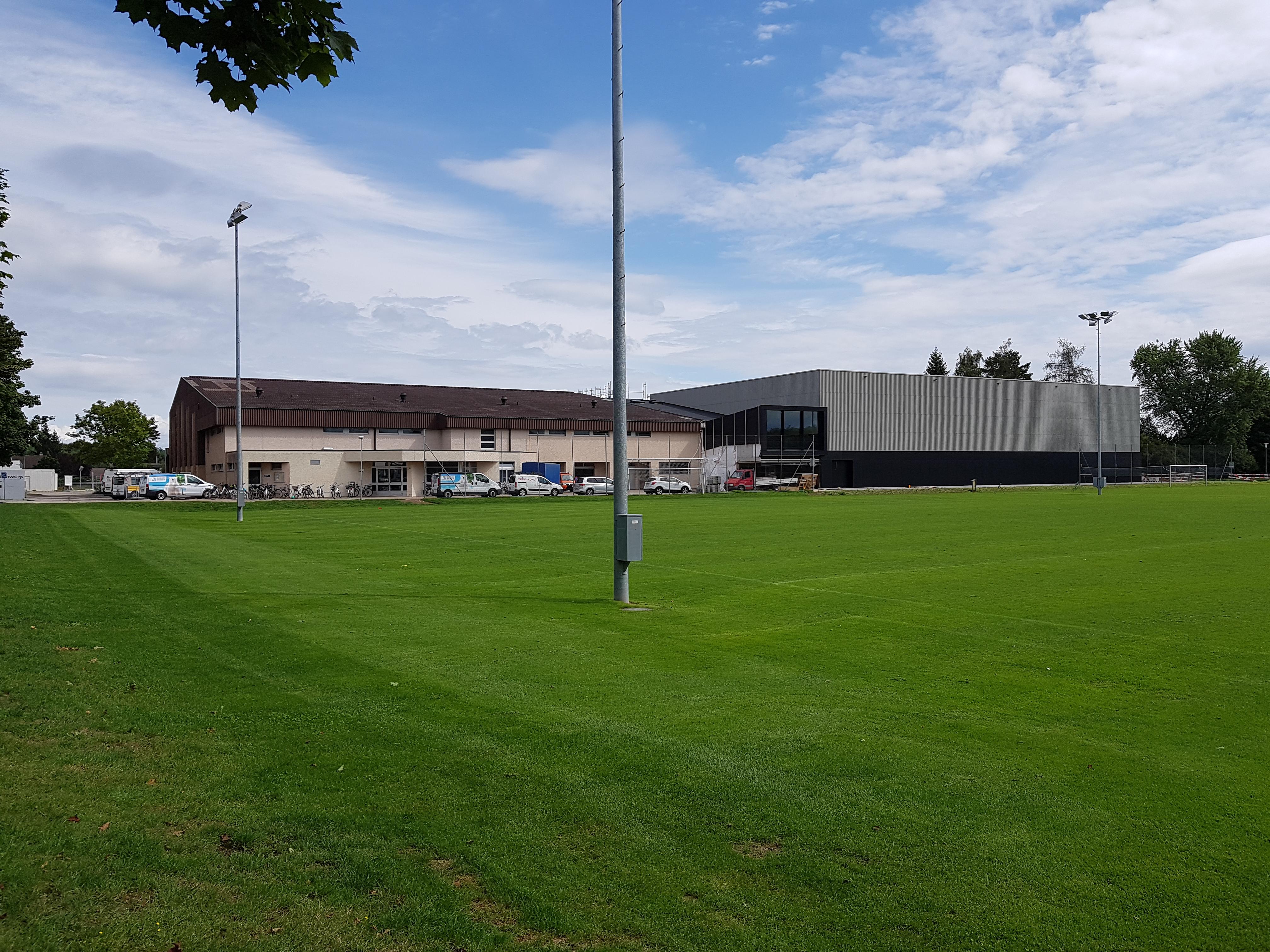 Sportanlage Tellenfeld Amriswil   Aussenansicht Neubau Dreifachhalle   Krattiger Holzbau AG Amriswil