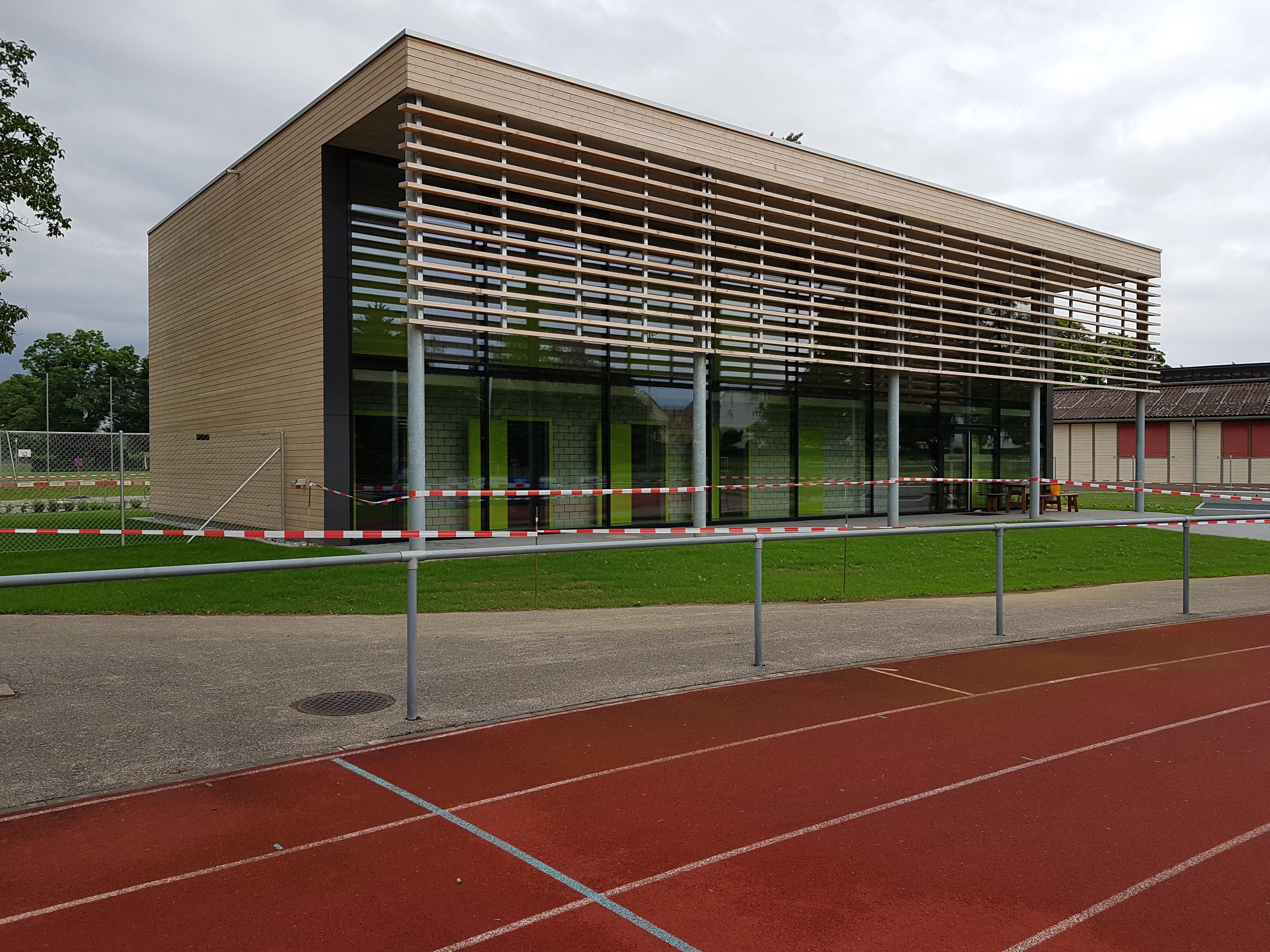 Sportanlage Tellenfeld Amriswil: Garderobengebäude l Krattiger Holzbau AG Amriswil