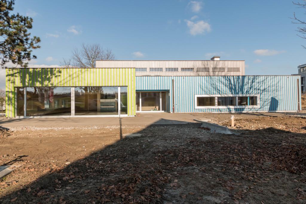 Kindergarten Mühlebach in Amriswil: Behandelte Holzfassade aus Schweizer Fichte l Krattiger Holzbau AG Amriswil