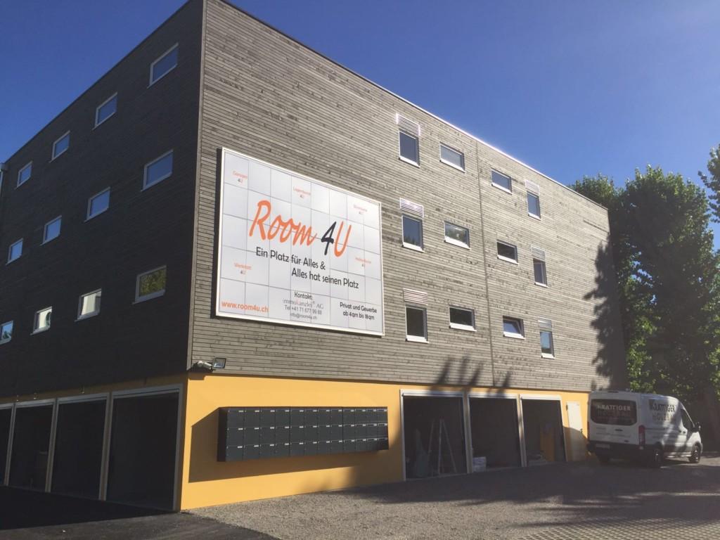 Room4U in Allschwil BL: Holzfassade aus Fichte l Krattiger Holzbau AG Amriswil