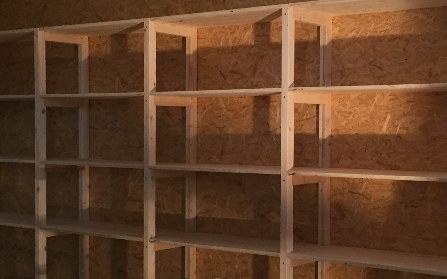 Schreiner-Arbeit: OSB-Trennwand | Krattiger Holzbau AG Amriswil