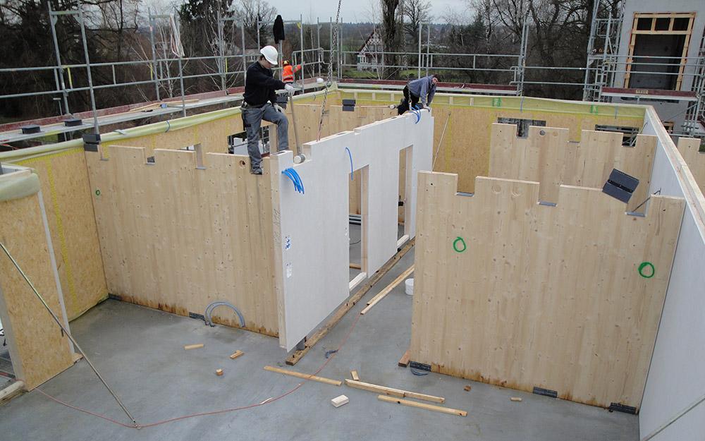 Montage Mehrfamilienhaus aus Holz | Krattiger Holzbau AG Amriswil