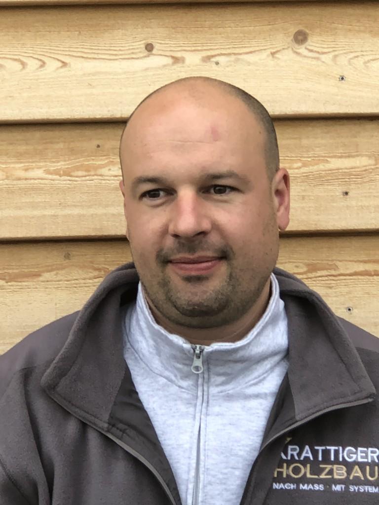 Miroslav Rozenberg | Hilfsschreiner | Krattiger Holzbau AG Amriswil