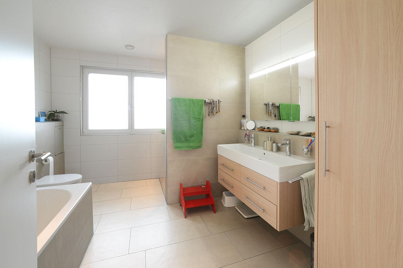 Innenausbau mit Holz: Möbel fürs Badezimmer | Krattiger Holzbau AG Amriswil
